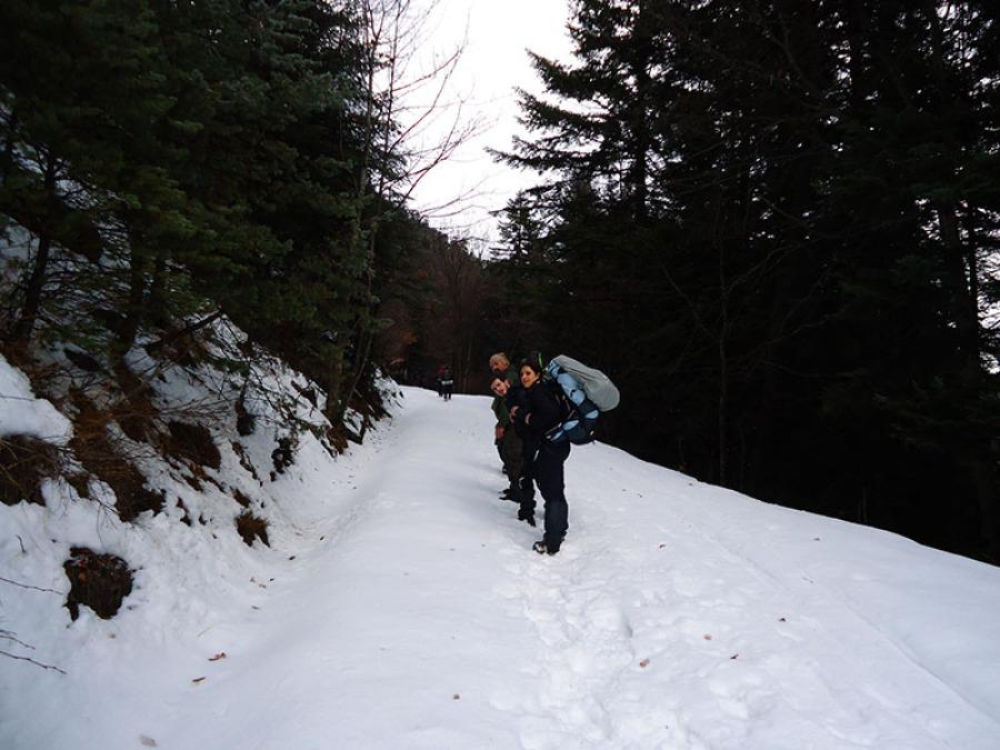 Homme femme survie neige